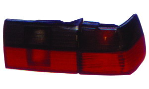 VW SANTANA 2000   '96 TAIL LAMP